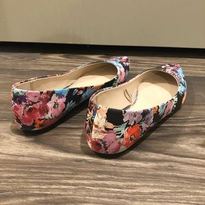 Express Shoes - Floral Express Pointed Toe Flats